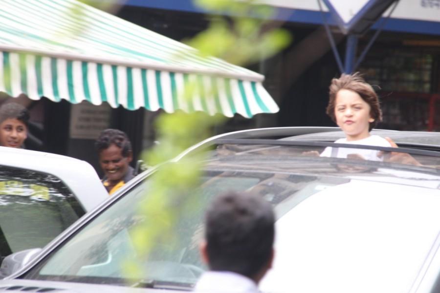 AbRam Khan,Shahrukh Khan,Shahrukh Khan son,Shahrukh Khan son AbRam Khan,AbRam Khan car ride at Bandra,AbRam Khan car ride