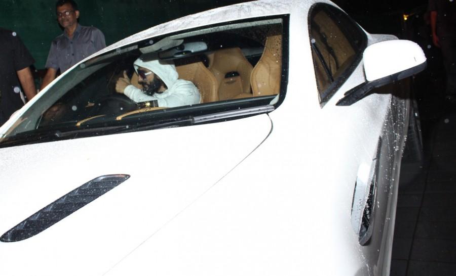 Ranveer Singh,actor Ranveer Singh,Ranveer Singh with Aston Martin,Aston Martin,Aston Martin car