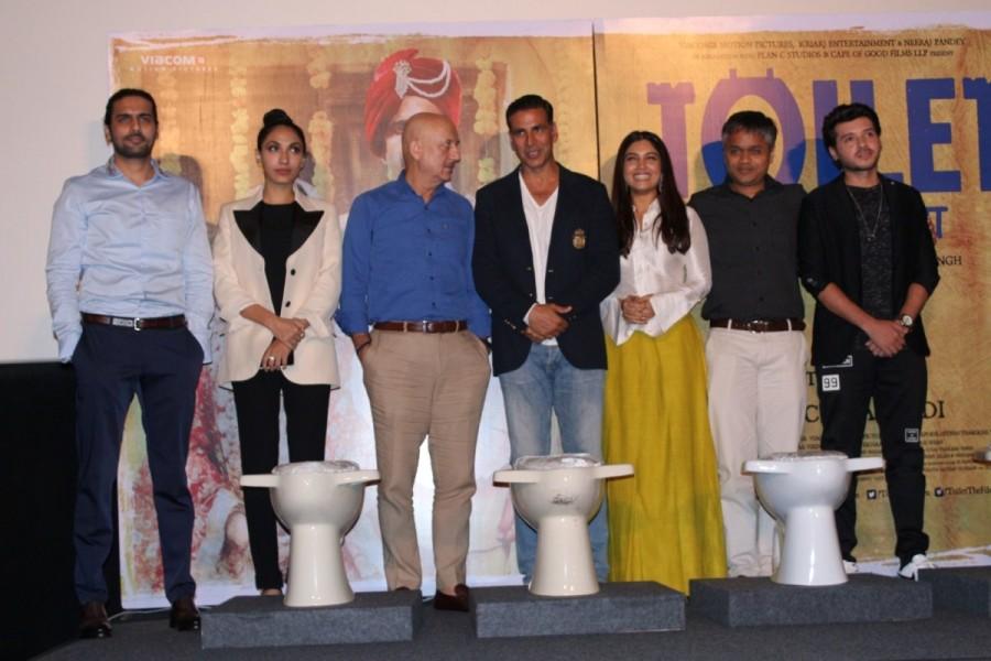 Akshay Kumar,Anupam Kher,Bhumi Pednekar,Toilet: Ek Prem Katha,Toilet: Ek Prem Katha press conference,Toilet: Ek Prem Katha press conference pics,Toilet: Ek Prem Katha press conference images,Toilet: Ek Prem Katha press conference stills,Toilet: Ek Prem Ka