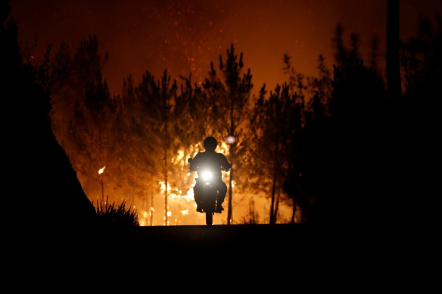 Portugal,Portugal battles raging wildfires,wildfires in Portugal,Portugal wildfires