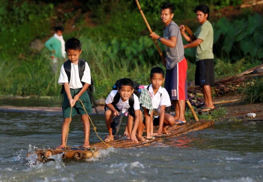Long journey to school,journey to school