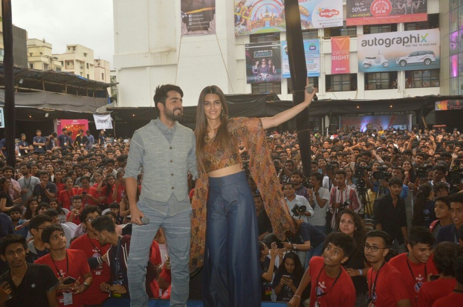 Kriti Sanon and Ayushmann Khurrana,Kriti Sanon,Ayushmann Khurrana,Bareilly Ki Barfi,Bareilly Ki Barfi promotion,Bareilly Ki Barfi movie promotion