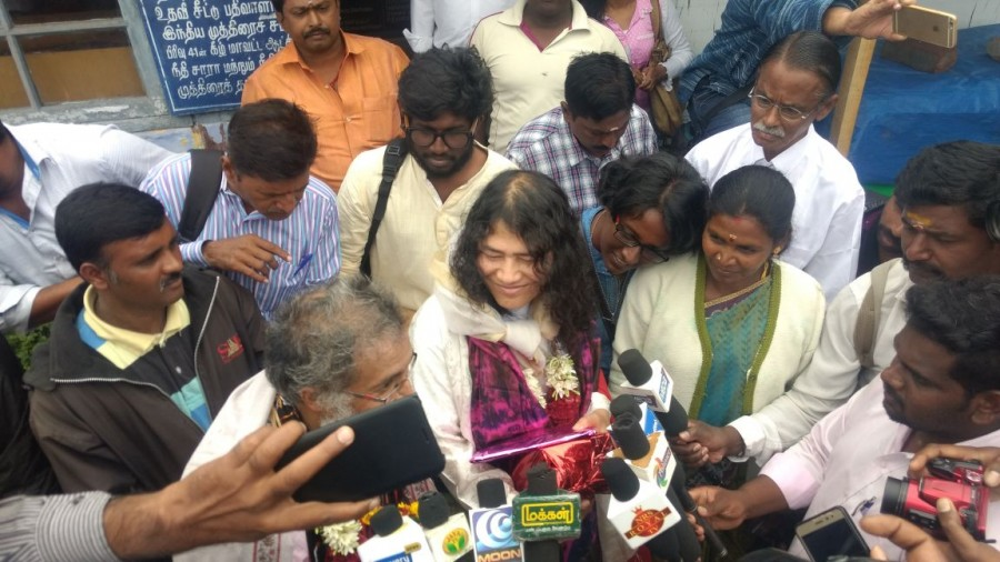 Activist Irom Sharmila marries Desmond Coutinha in ...