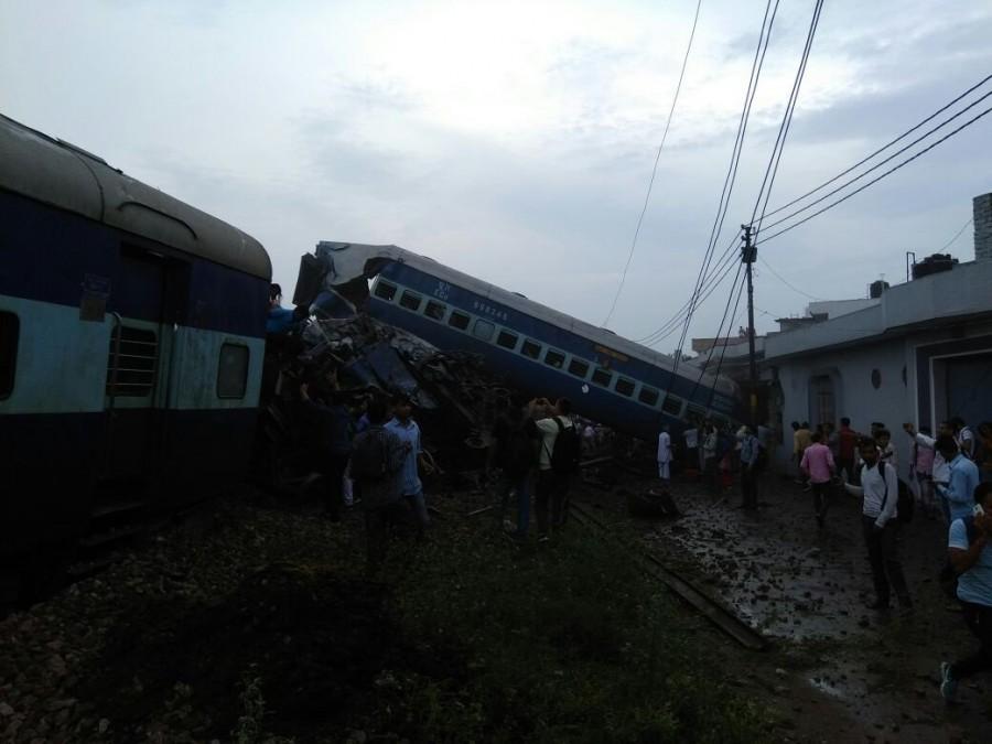 Puri-Haridwar-Kalinga Utkal Express,Puri-Haridwar-Kalinga Utkal Express derails,Kalinga-Utkal Express went off,Khatauli,Muzaffarnagar district,Uttar Pradesh