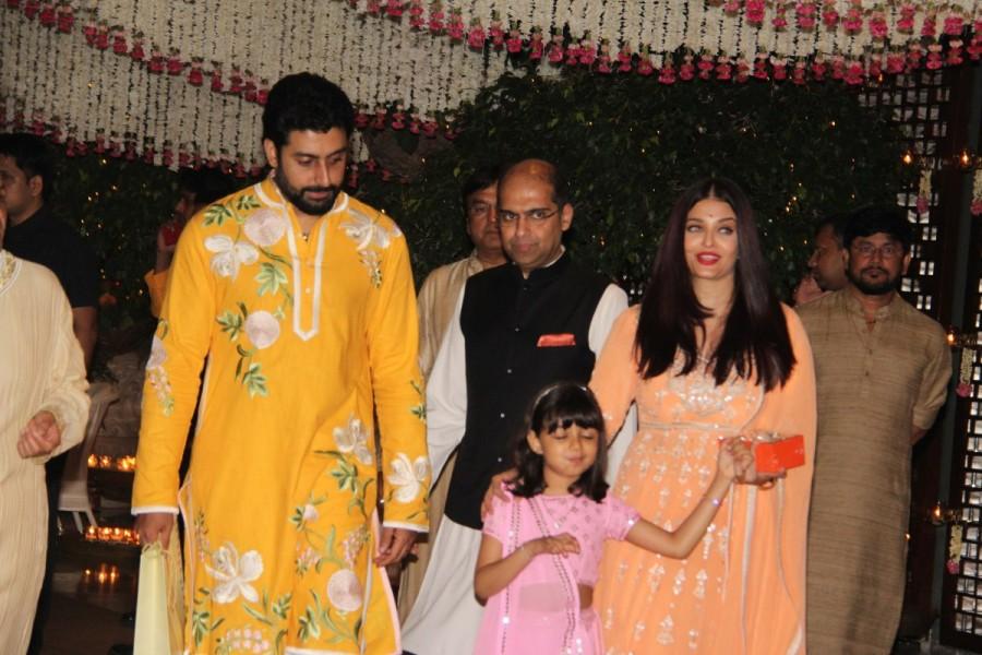Aishwarya Rai,Abhishek Bachchan,Aishwarya Rai Bachchan,Aaradhya bachchan,Ganesh Chaturathi Celebrations,Mukesh Ambani