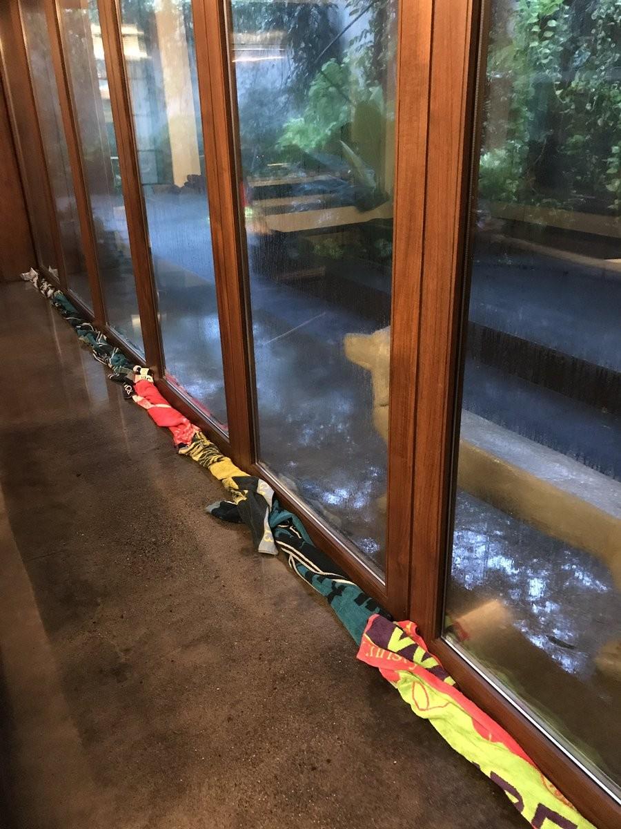 Mumbai Rains,Lara Dutta,Mahesh Bhupathi,Mahesh Bhupathi and Lara Dutta,waterlogging,Mahesh Bhupathi towels