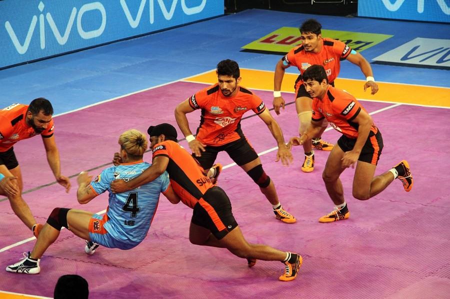 Pro Kabaddi 2017,Bengal Warriors,U Mumba,U Mumba crush Bengal Warriors,U Mumba beat Bengal Warriors