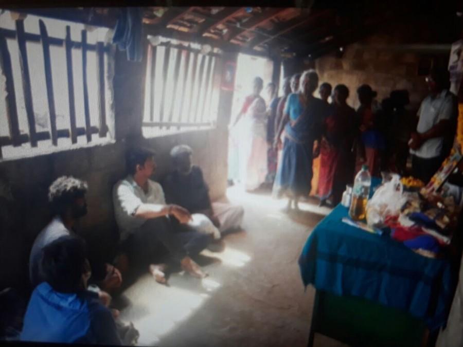 Ilayathalapathy Vijay,Ilayathalapathy,Vijay,Vijay visited Anitha's home,Vijay at Anitha's home,Mersal actor vijay,Mersal hero vijay
