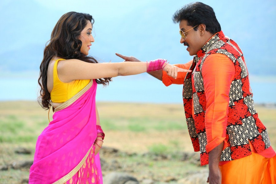 Ungarala Rambabu,telugu movie Ungarala Rambabu,Sunil and Miya George,Sunil,Miya George,Ungarala Rambabu movie stills,Ungarala Rambabu movie pics,Ungarala Rambabu movie images,Ungarala Rambabu movie pictures,Ungarala Rambabu movie photos