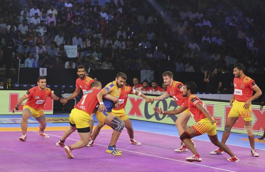 Pro Kabaddi League 2017,Pro Kabaddi League,Ajay Thakur,Tamil Thalaivas stun Gujarat Fortunegiants,Tamil Thalaivas,Gujarat Fortunegiants,Tamil Thalaivas beats Gujarat Fortunegiants