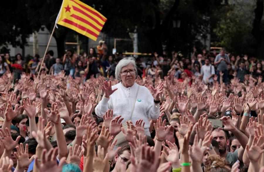 Catalonia,Catalonia protests,Spanish police,violent secession vote