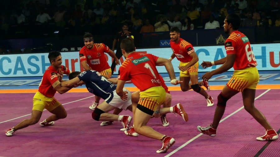 Pro Kabaddi League 2017,Gujarat Fortunegiants thrash Dabang Delhi,Gujarat Fortunegiants beats Dabang Delhi,Gujarat Fortunegiants,Dabang Delhi,PKL 2017