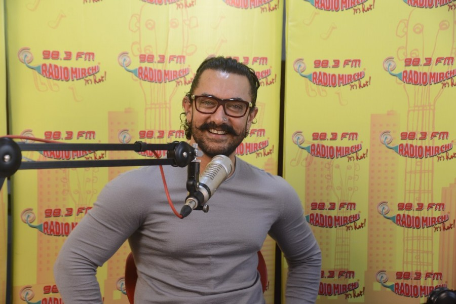Aamir Khan,Secret Superstar,Secret Superstar promotion,Secret Superstar movie promotion,Aamir Khan promotes Secret Superstar,Aamir Khan at Radio Mirchi
