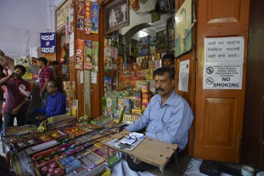 Firecrackers,Firecrackers in Delhi,Jama Masjid market,SC Fireworks ban,Diwali