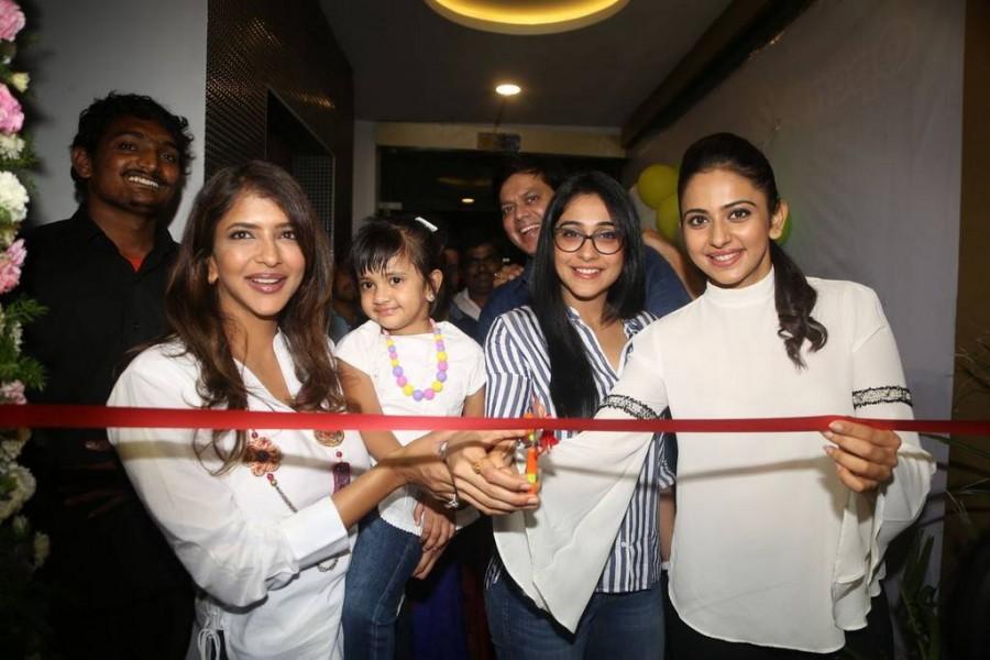 Rhea Chakraborty,Hari Teja,Rakul Preet Singh,Lavanya Tripathi,Regina Cassandra,Junior Kuppanna Restaurant Launch,Junior Kuppanna Restaurant