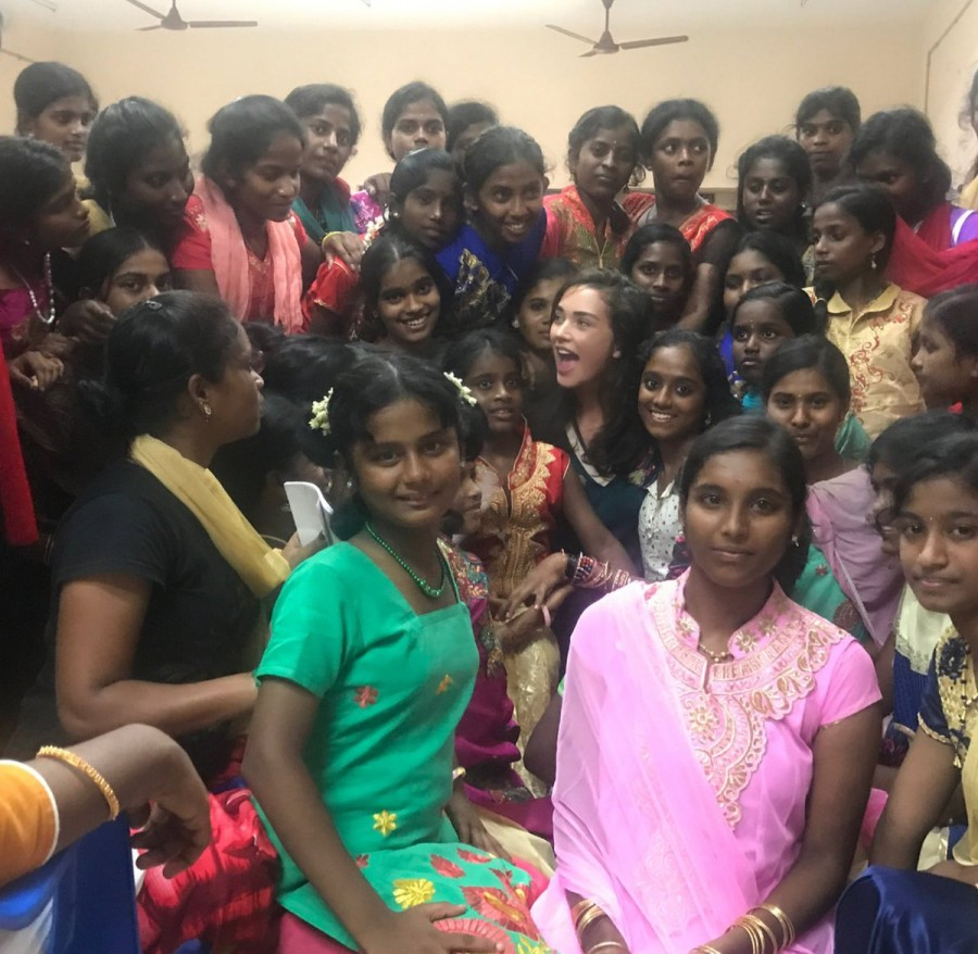 Amy Jackson,actress Amy Jackson,Amy Jackson celebrates Diwali,Diwali,Diwali celebration,Amy Jackson celebrates Diwali with Kids