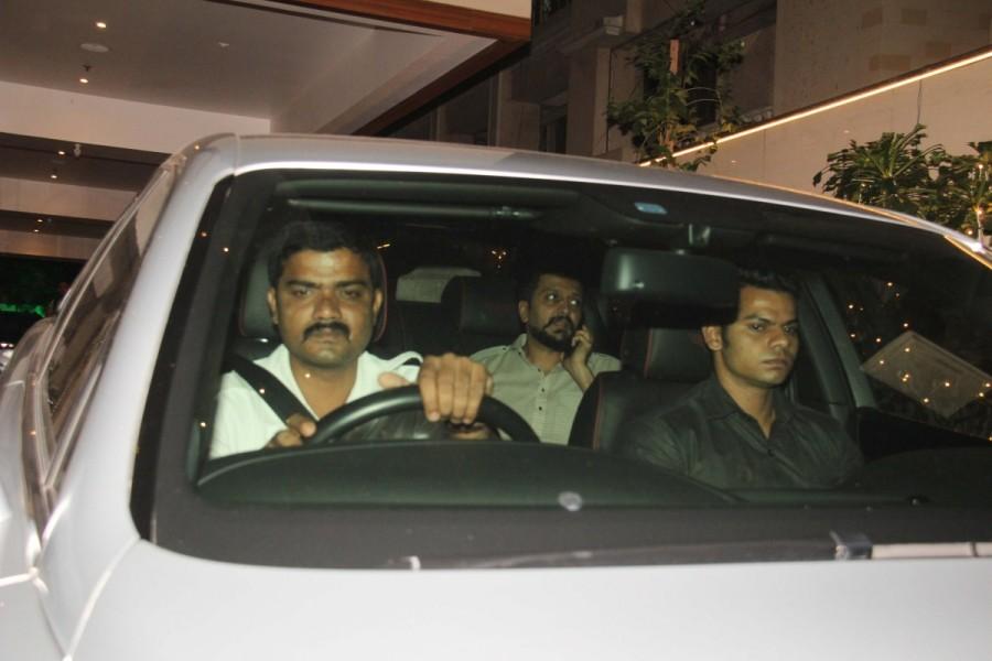 Ritesh Deshmukh,actor Ritesh Deshmukh,Genelia D'Souza,Genelia D'Souza husband,Vashu Bhagnani,Vashu Bhagnani house,Ritesh Deshmukh at Vashu Bhagnani house