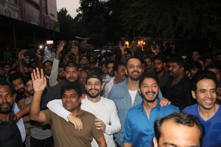 Golmaal Again Team,Golmaal Again,ajay devgn golmaal again,Golmaal Again Team visits Gaiety Galaxy,Golmaal Again visits Gaiety Galaxy,Golmaal Again team Gaiety Galaxy