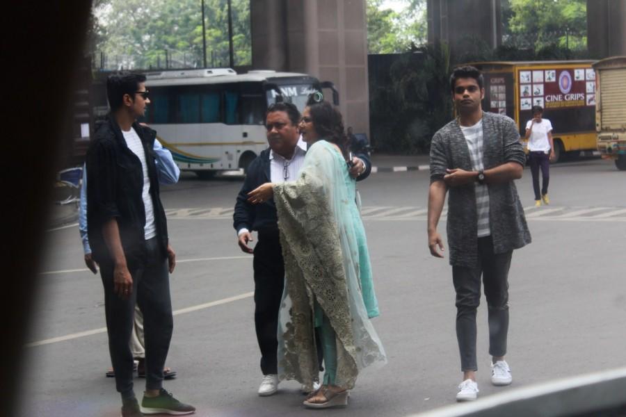 Kareena Kapoor Khan,Kareena Kapoor,Veere Di Wedding,Kareena Kapoor Khan shoots for Veere Di Wedding,Kareena Kapoor shoots for Veere Di Wedding,Veere Di Wedding at Mumbai Airport