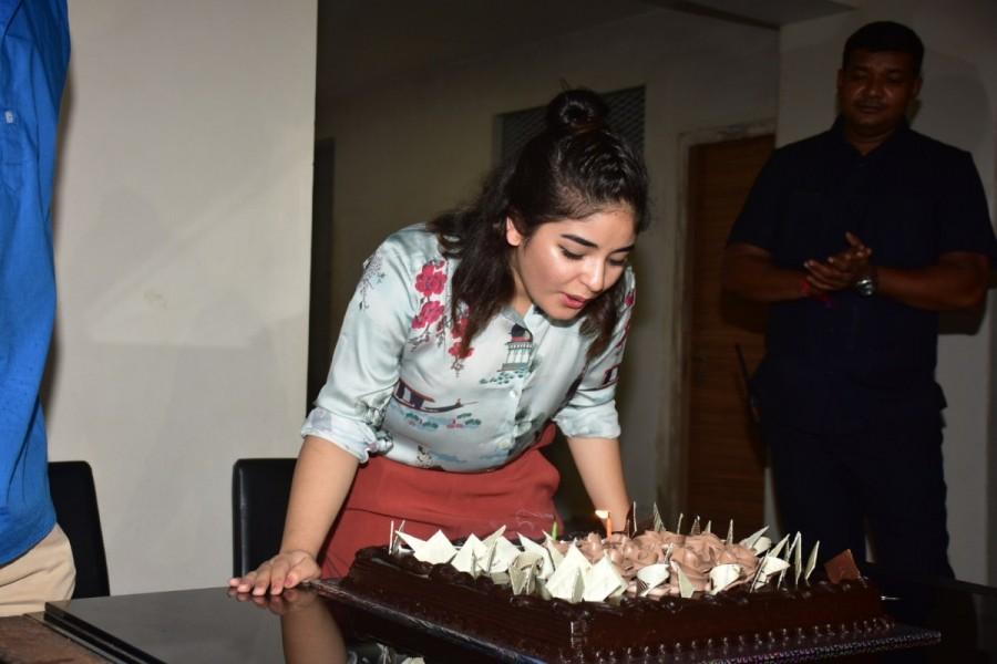 Secret Superstar,Zaira Wasim,Zaira Wasim birthday,Zaira Wasim birthday celebration,Advait Chandan,Director Advait Chandan,advait chandan secret superstar