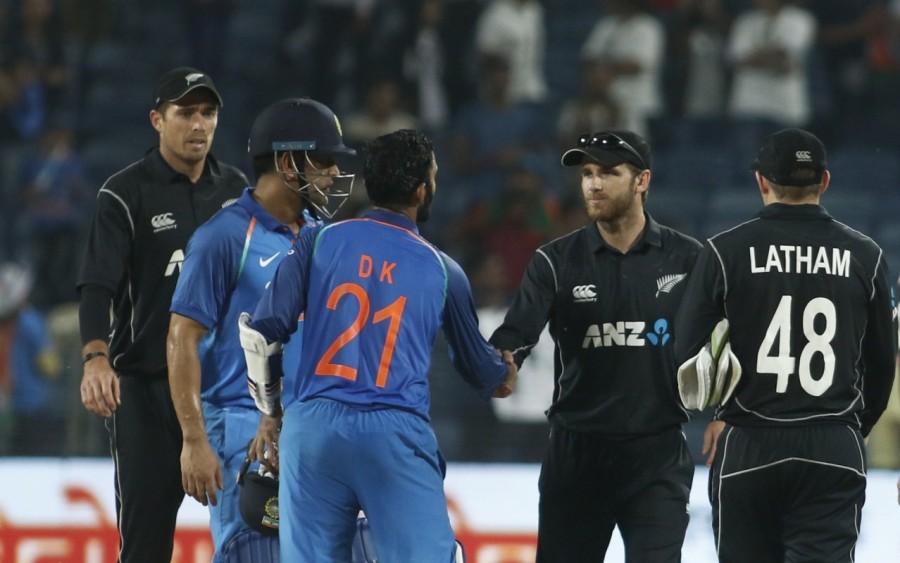 Shikhar Dhawan,Dinesh Karthik,India beat New Zealand,India beat New Zealand by six wickets,Virat Kohli