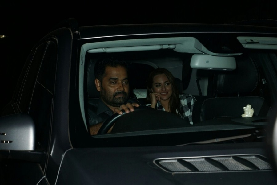 Sonakshi Sinha,Karan Johar,Mandira Bedi,Chunky Pandey,Shatrughan Sinha,Ittefaq,Ittefaq Special screening,Ittefaq Special screening pics,Ittefaq Special screening images,Ittefaq Special screening stills,Ittefaq Special screening pictures,Irrfan Khan