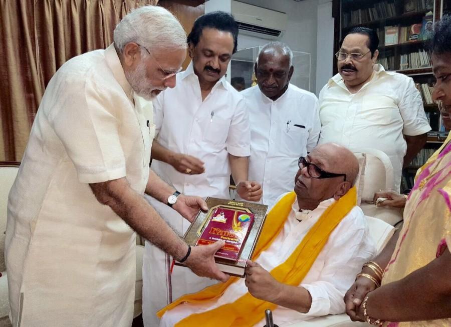 Narendra Modi,Narendra Modi meets Karunanidhi,Karunanidhi,DMK chief Karunanidhi,Narendra Modi meets MK Stalin,MK Stalin,Narendra Modi in Chennai