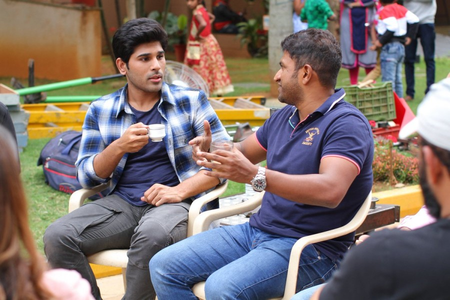 Puneeth Raj Kumar,Puneeth Rajkumar,Allu Sirish,Okka Kshanam,Okka Kshanam on the sets,superstar Puneeth Rajkumar