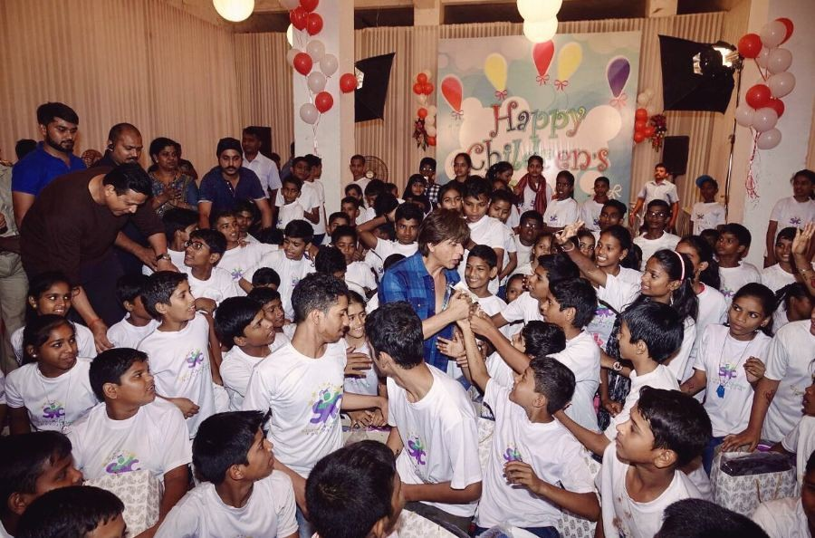 Shah Rukh Khan,SRK,Shah Rukh Khan celebrates Children's Day,SRK celebrates Children's Day,actor Shah Rukh Khan