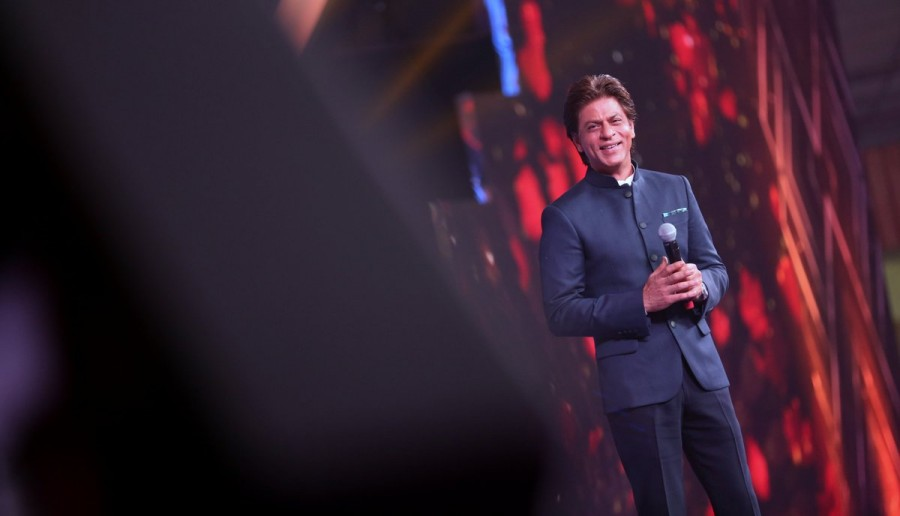 Shah Rukh Khan,actor Shah Rukh Khan,Shah Rukh Khan at IFFI 2017,SRK.at IFFI 2017,IFFI 2017,IFFI 2017 red carpet