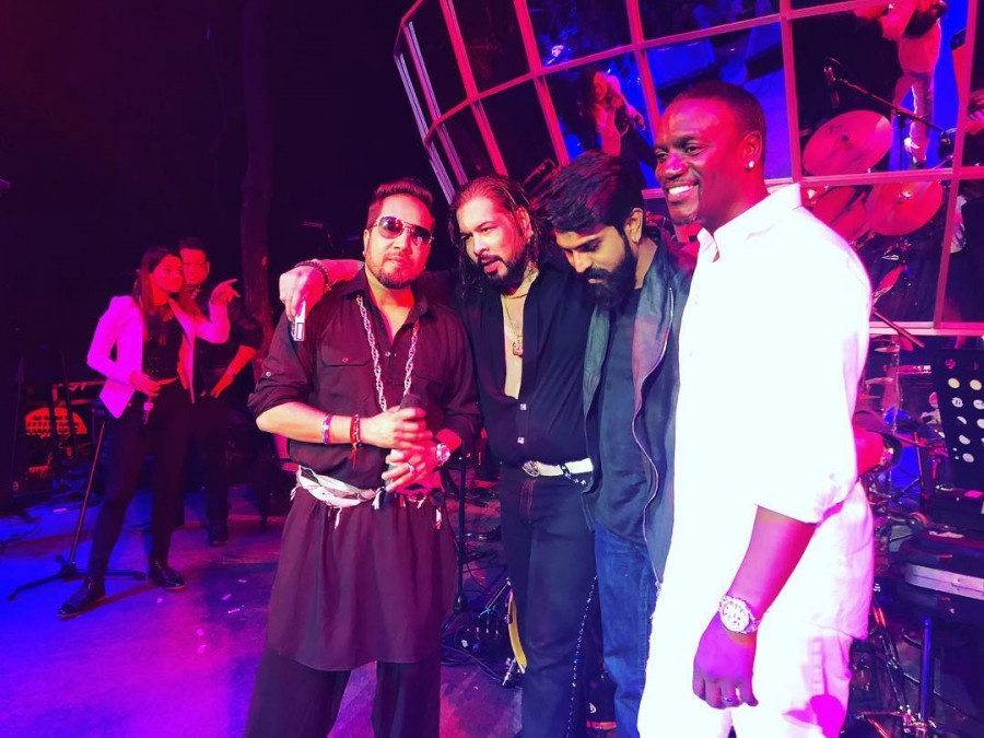 Ram Charan,Ram Charan Teja,Ram Charan with Akon,Ram Charan with Mika Singh,Mika Singh,Singer Akon,Singer Mika Singh