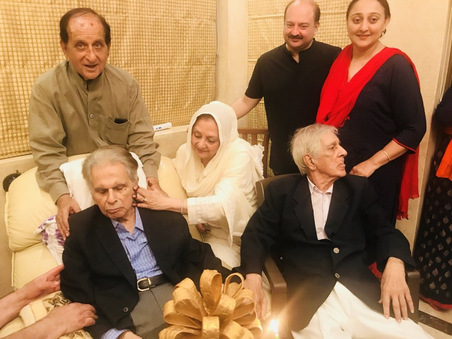 Dilip Kumar,actor Dilip Kumar,Dilip Kumar birthday,Dilip Kumar birthday celebration,Dilip Kumar 95th birthday party,Dilip Kumar wife Saira Banu,Saira Banu
