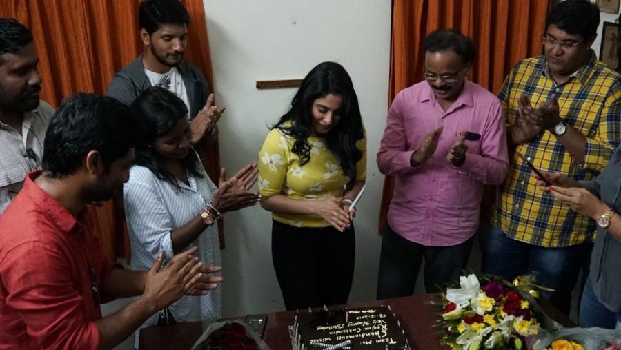 Gautham Karthik,Ramya,VJ Ramya,Regina Cassandra,Regina Cassandra birthday,Regina Cassandra birthday celebration,Mr.Chandramouli sets,Mr.Chandramouli