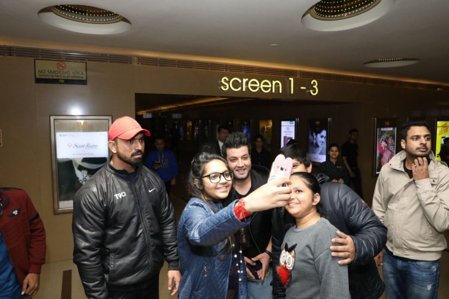 Fukrey Returns,Fukrey Returns sucess,Fukrey Returns box office,Varun Sharma,Varun Sharma aka Choocha,Varun Sharma visits theaters