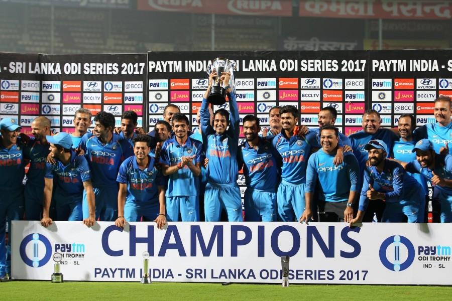 Shikhar Dhawan,India vs Sri Lanka,India beats Sri Lanka,India trash Sri Lanka,Dinesh Karthik,Mahendra Singh Dhoni