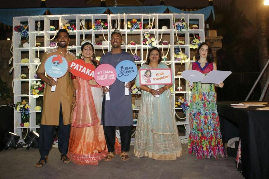 Hardik Pandya,Elli Avram,Krunal Pankhuri,Pankhuri Sharma,Hardik Pandya brother
