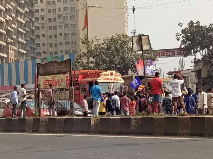 Bhima Koregaon Violence,Bhima Koregaon,Chembur,Ghatkopar,Traffic jams choke Chembu,Chembu Traffic jam,Devendra Fadnavis