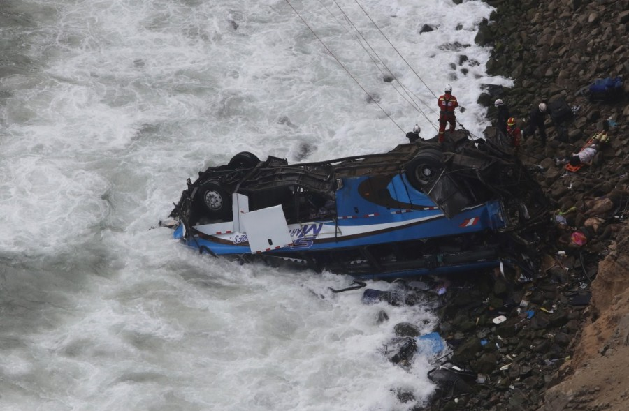 Peru bus accident,Peru accident,Peru accident kills 48,Peru bus accident kills 48