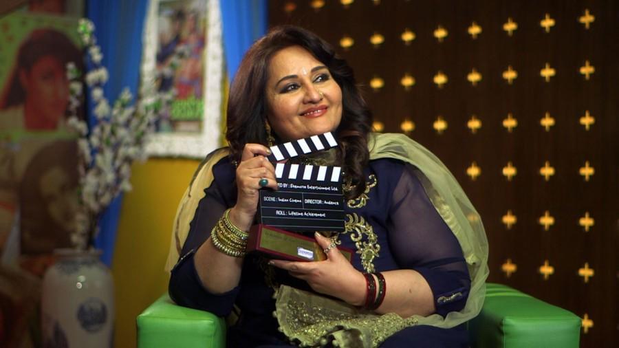 Veteran actor Reena Roy,Kaalicharan,Apnapan,Vishwanath,Reena Roy on a Television chat show,Reena Roy chat show
