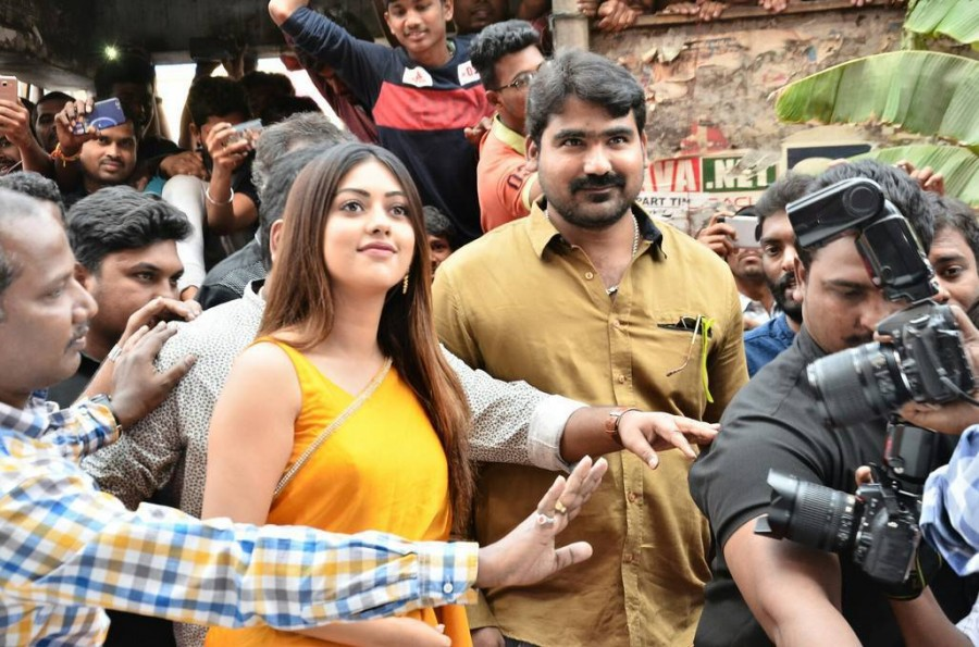 Anu Emmanuel,actress Anu Emmanuel,Anu Emmanuel launches KLM Fashion Mall,KLM Fashion Mall,KLM Fashion Mall at Dilsukhnagar,Vijay Deverakonda