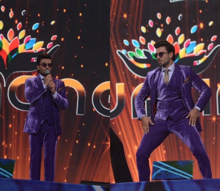 Ranveer Singh,Deepika Padukone,Shah Rukh Khan,Anushka Sharma,Akshay Kumar,Umang Mumbai Police Show 2018,Umang Mumbai Police Show,Celebs at Umang Mumbai Police Show,Umang Mumbai Police Show pics,Umang Mumbai Police Show images,Umang Mumbai Police Show stil