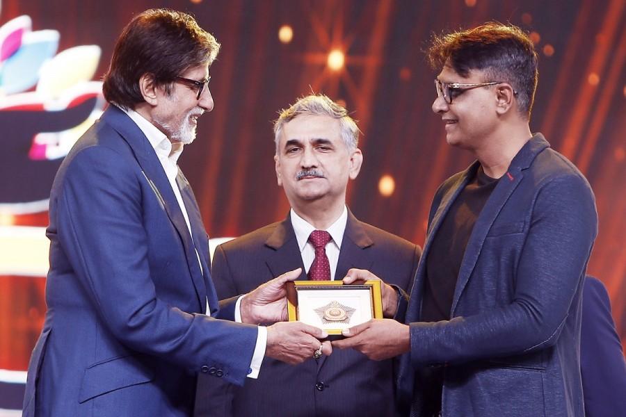 Amitabh Bachchan,actor Amitabh Bachchan,Mumbai Police 2018 Calendar,Mumbai Police Calendar,Amitabh Bachchan unveils Calendar,Mumbai Police