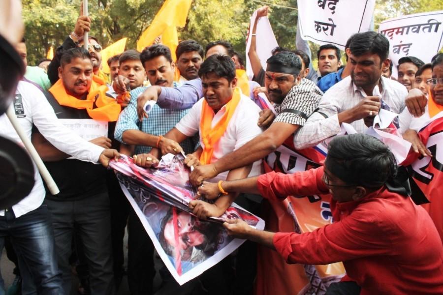 Padmaavat,padmaavat controversy,padmaavat protest,Padmaavat ban,Deepika Padukone,Ranveer Singh,Anti-Padmaavat protests