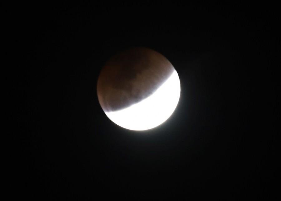 Super blue blood Moon,super blue blood Moon in indian,super blue blood Moon in bangalore,super blue blood Moon in Bengaluru,super blue blood Moon  pics,super blue blood Moon images,super blue blood Moon stills,super blue blood Moon pictures
