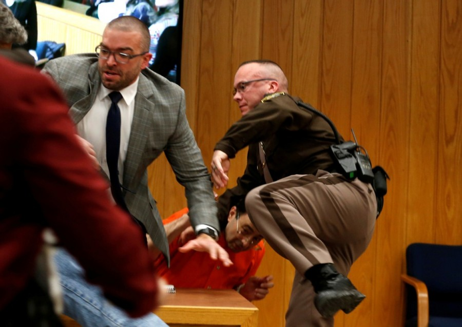 Larry Nassar lunges,Larry Nassar lunges father,Larry Nassar in Court