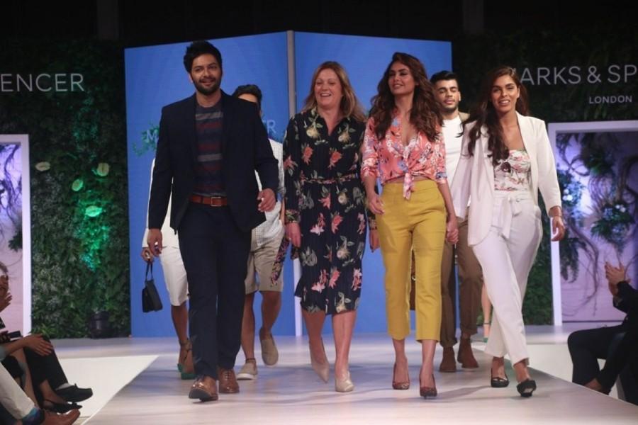 Esha Gupta and Ali Fazal,Esha Gupta,Ali Fazal,Esha Gupta ramp walk