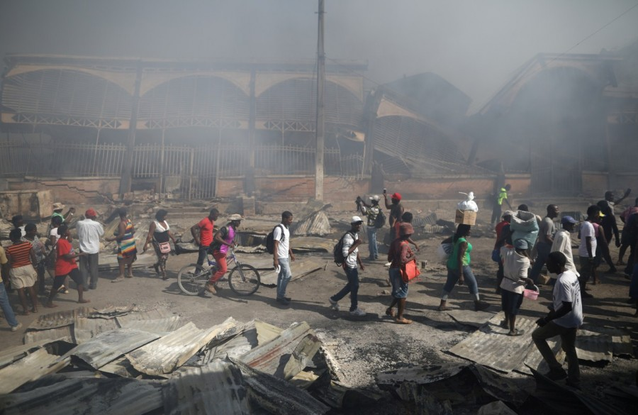 Fire rips,Iron Market,Port-au-Prince,Fire at Haiti market,Haiti market fire