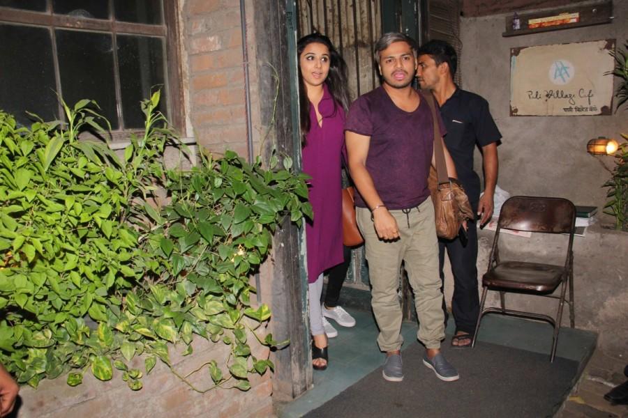 Vidya Balan,Pali Village cafe,Vidya Balan at Bandra,bollywood celebs,Bollywood celebs at Bandra,Vidya Balan latest pics,celebs latest pics