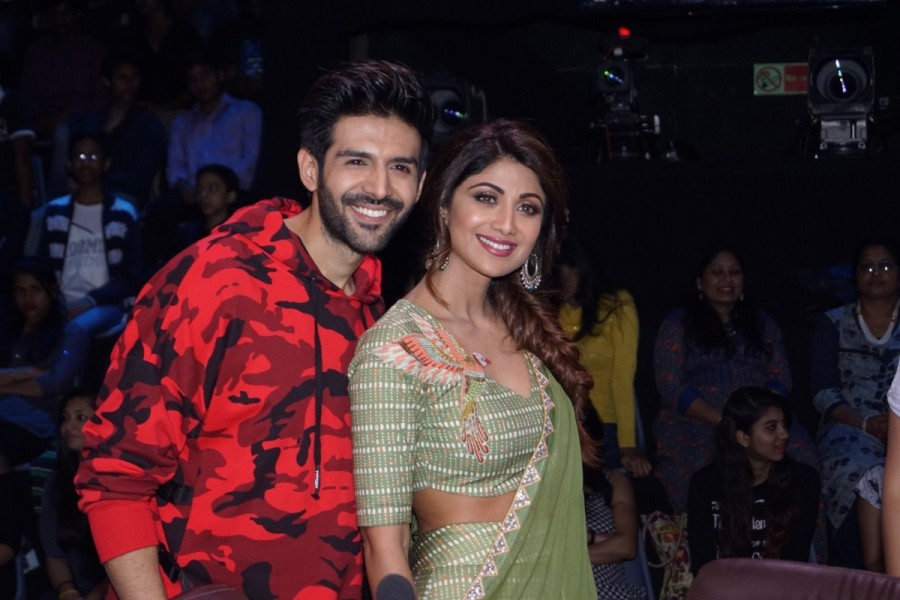 Sunny Singh,Nushrat Bharucha,Kartik Aaryan,Sonu Ke Titu Ki Sweety,Sonu Ke Titu Ki Sweety promotion,Sonu Ke Titu Ki Sweety movie promotion,Shilpa Shetty,Shilpa Shetty Kundra,Super Dancer Chapter 2,Super Dancer