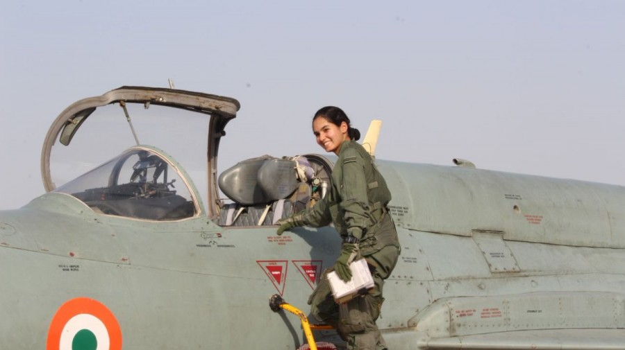 Avani Chaturvedi,Avani Chaturvedi pics,Avani Chaturvedi images,Avani Chaturvedi wallpaper,Indian woman fighter,woman fighter